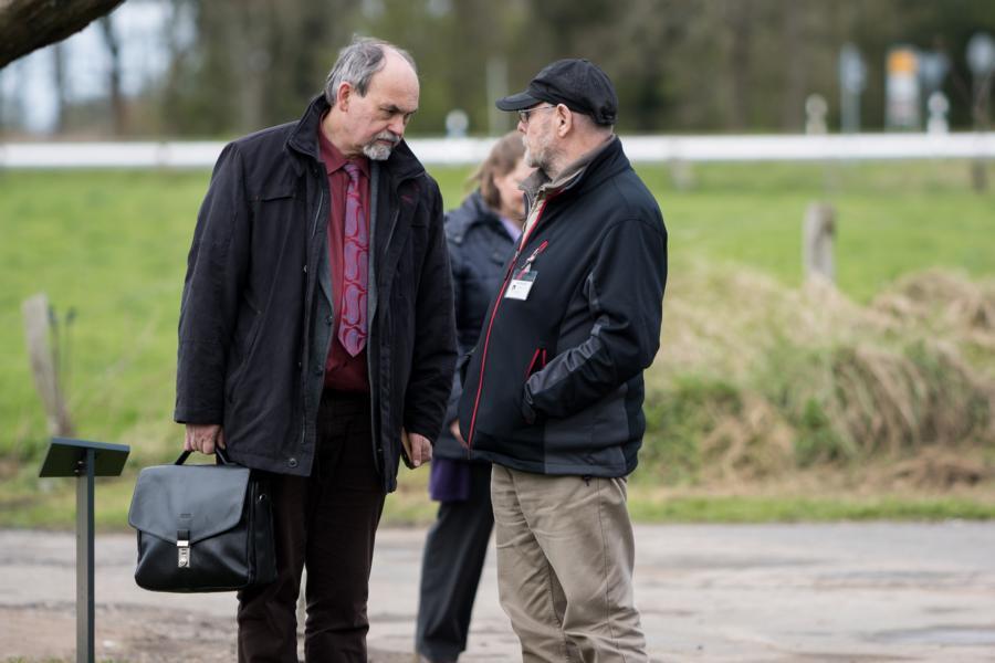 Dr. Detlef Garbe (KZ-Gedenkstätte Neuengamme,, Rolf Burgard (Guide)